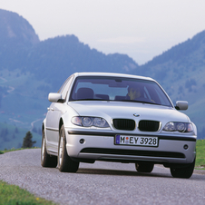 The recall affects all 2002 and 2003 BMW 3 Series worldwide