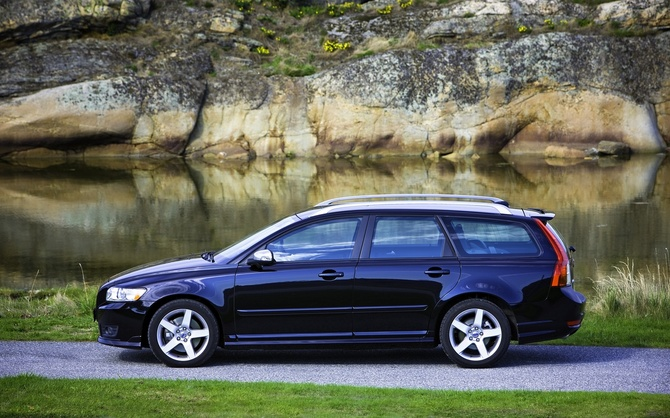 Volvo V50 T5 AWD R-Design photo :: Volvo V50 gallery :: 420 views ...