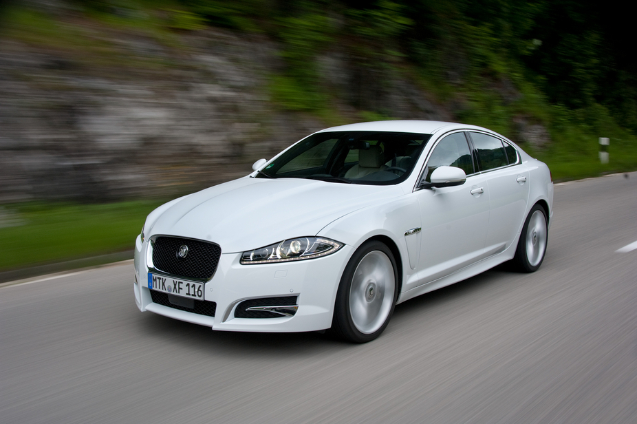 Jaguar XF 3.0 V6 D Classic :: 2 photos and 51 specs :: autoviva.com