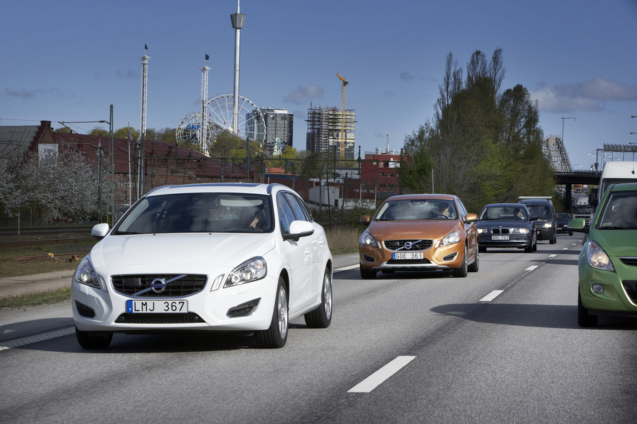 Volvo Will Have Automatic Car Following Available In 2014 News