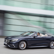 Despite weighing 175kg (2180kg) more than the S65 AMG Coupé, the new S65 AMG Cabriolet retains the same capacity of acceleration