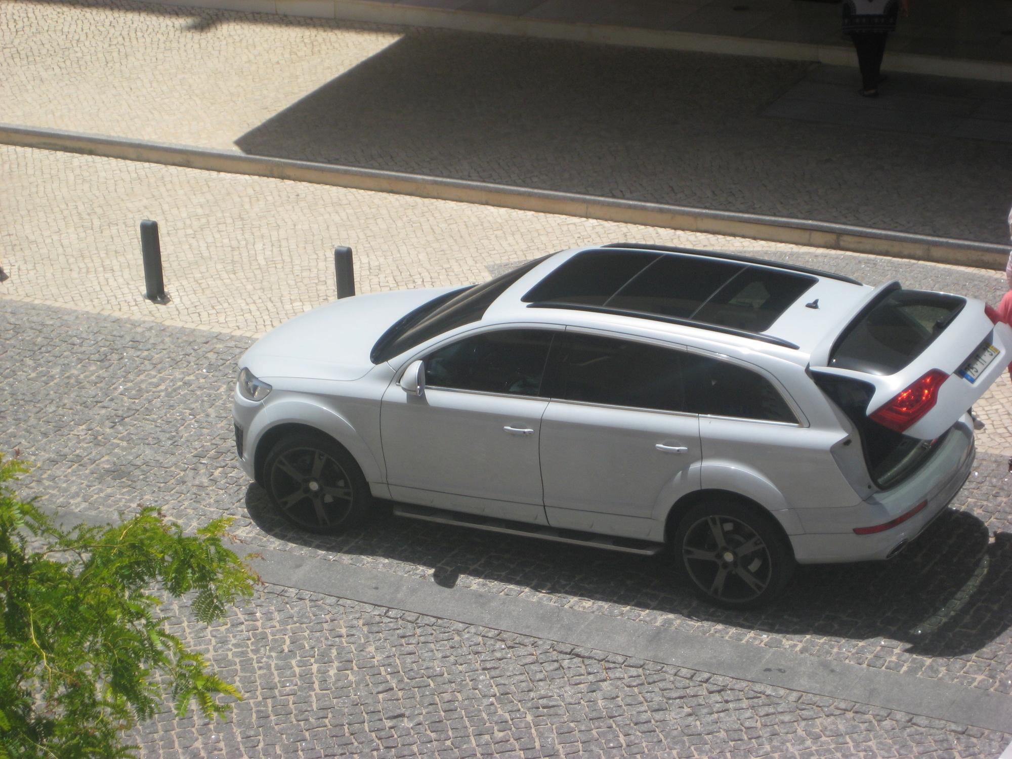 Audi Q7 6 0 V12 Tdi Quattro Exclusive Slideshow