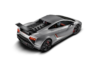 It uses the 570ps tune of the 5.2-liter V10