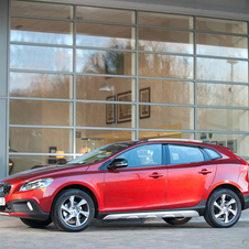Volvo V40 T5 Momentum Geartronic CC Cross Country