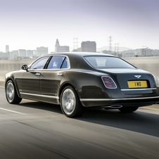 New Mulsanne Speed complies to the EU6 emissions standards with 342g/km of CO2 and an average fuel consumption of 14,6l/100km