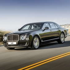 In terms of design the new Mulsanne Speed ​​can be distinguished from standard Mulsanne through new details in dark tone