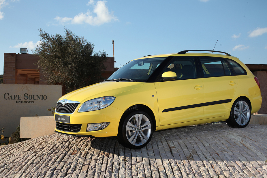 skoda fabia break 1 2 tdi active 1 photo and 57 specs. Black Bedroom Furniture Sets. Home Design Ideas