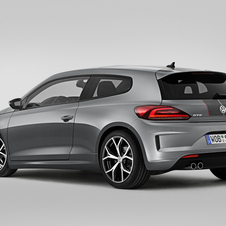 The Scirocco maintains an identical performance to the standard version with an acceleration from 0 to 100km/h in 6.5 seconds