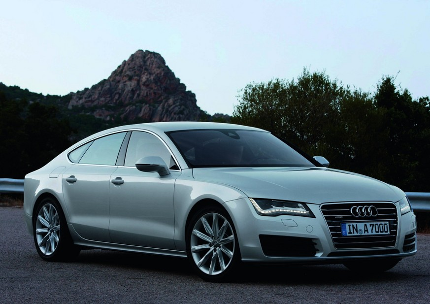 audi a7 sportback 3 0 tdi 245 s line quattro 1 photo and 5 specs. Black Bedroom Furniture Sets. Home Design Ideas