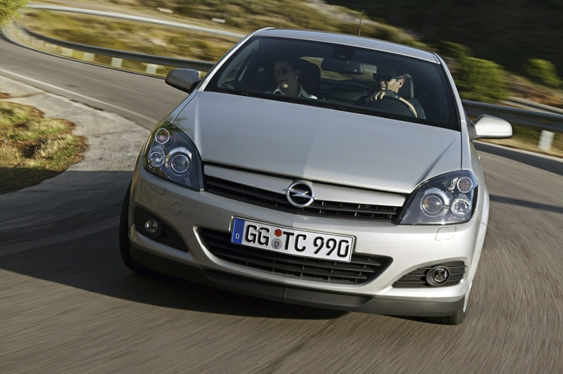 opel astra gtc 1 6 ecotec 2 photos and 67 specs. Black Bedroom Furniture Sets. Home Design Ideas