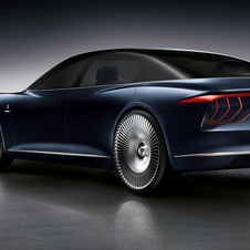 With four electric motors, two in each axle the concept has a combined output of 775hp