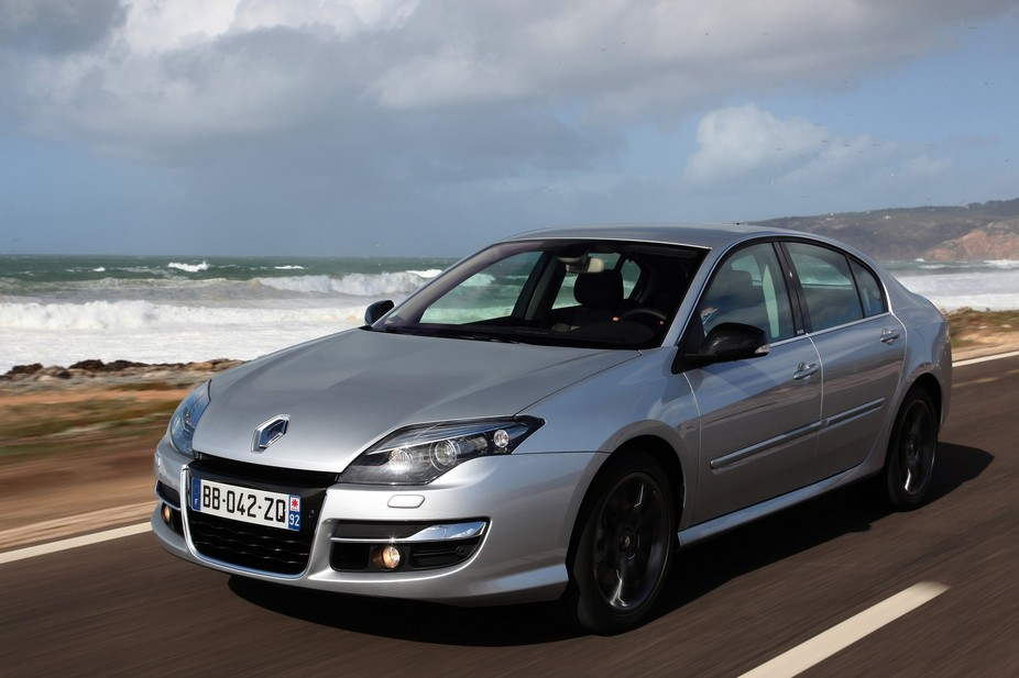 renault laguna iii 2 0 dci fap dynamique s 4control 1 photo and 62 specs. Black Bedroom Furniture Sets. Home Design Ideas