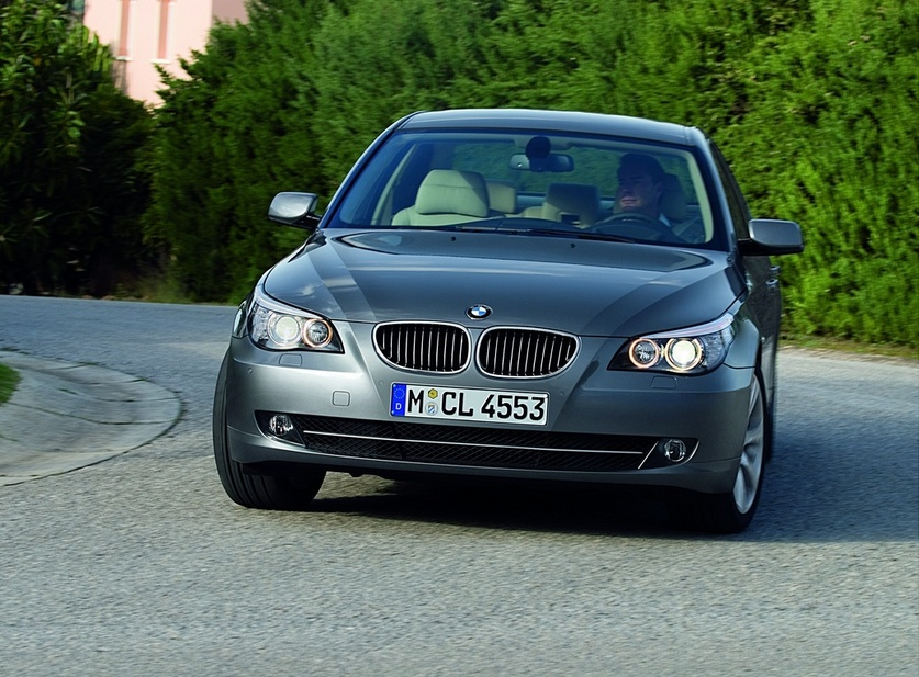 Bmw 525d Xdrive Automatic Executive 1 Photo And 50 Specs