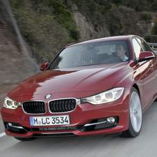 BMW 320i xDrive AT