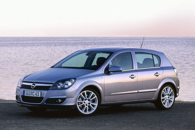 Opel Astra Enjoy 2.0 Turbo