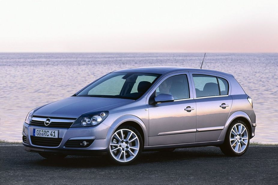 opel astra enjoy 2 0 turbo 1 photo and 85 specs. Black Bedroom Furniture Sets. Home Design Ideas