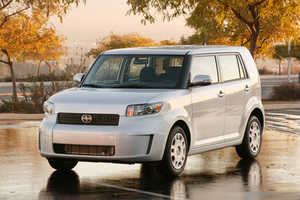 Scion xB 5-Door Wagon 4-Spd AT