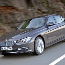 BMW 328i xDrive AT