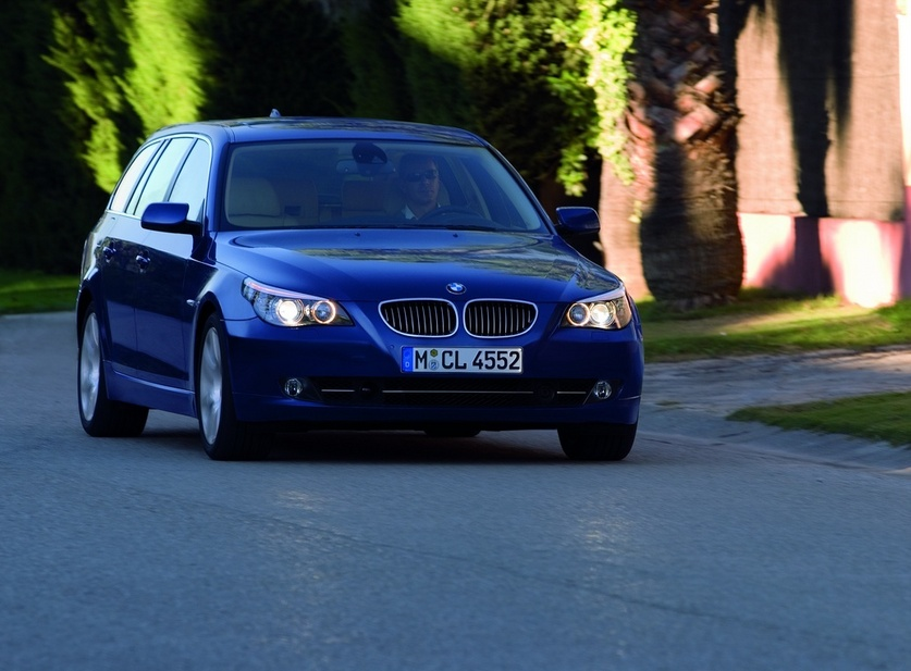BMW 520d Touring Automatic Executive :: 1 photo and 52 specs ...
