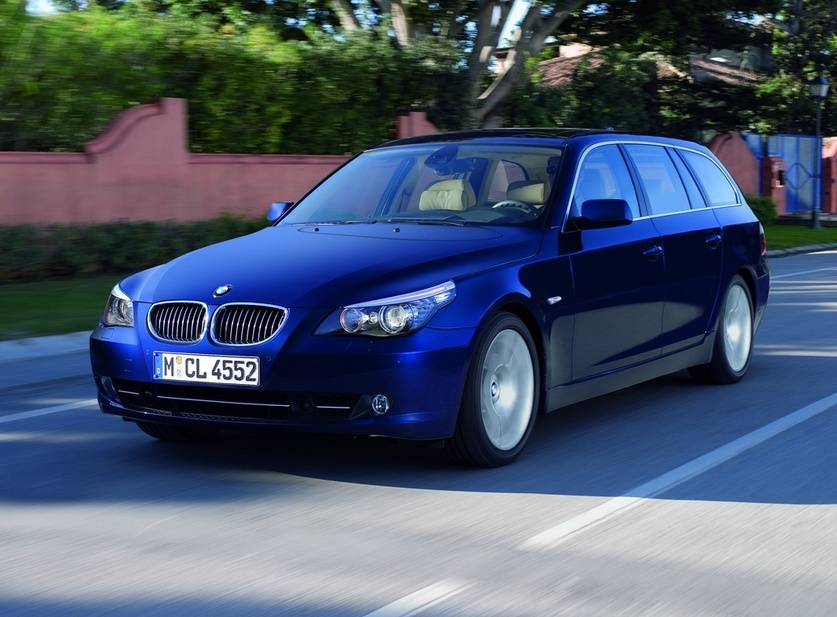 BMW 530d Touring Automatic Executive :: 1 photo and 52 specs ...