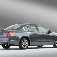 Honda Accord EX V-6 5-Spd AT (USA)