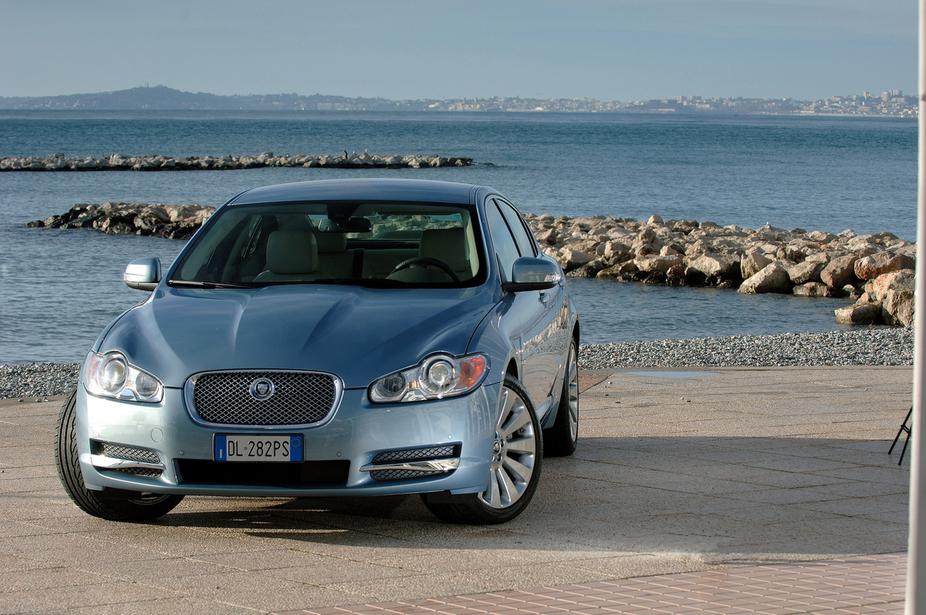 Jaguar Xf 3.0. Jaguar XF 3.0 V6 Premium