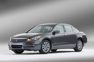 Honda Accord LX 5-Spd AT (USA)