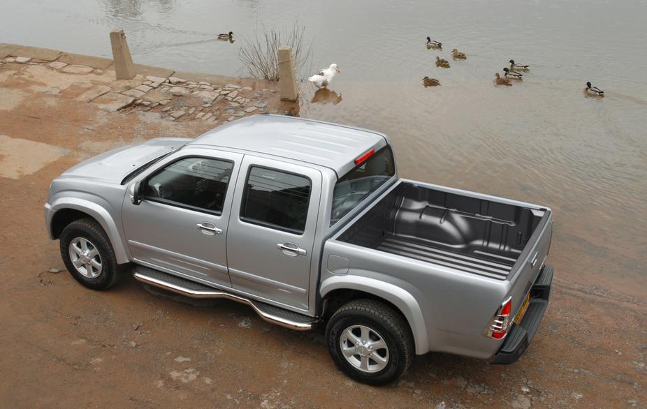 Isuzu Rodeo Pick-up 2 5TD 4x2 Single Cab :: 1 photo and 4 specs