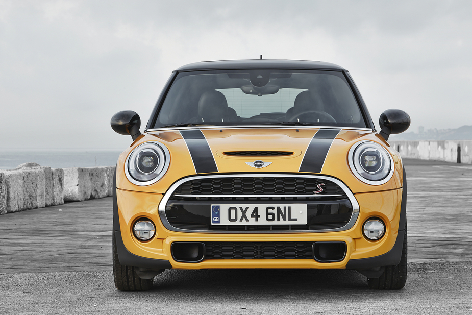 All future Mini variants will ride on the front-wheel drive UKL platform
