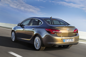 Opel Astra Sports Sedan 1.4 Turbo Active Select Cosmo