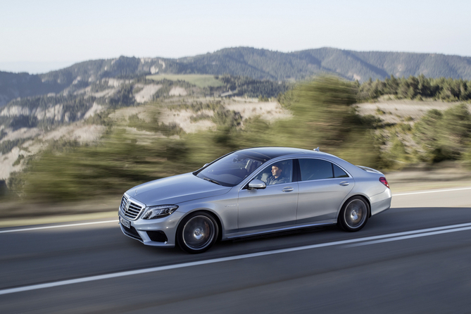 Der neue Mercedes-Benz S 63 AMG: Driving Performance im Luxussegment