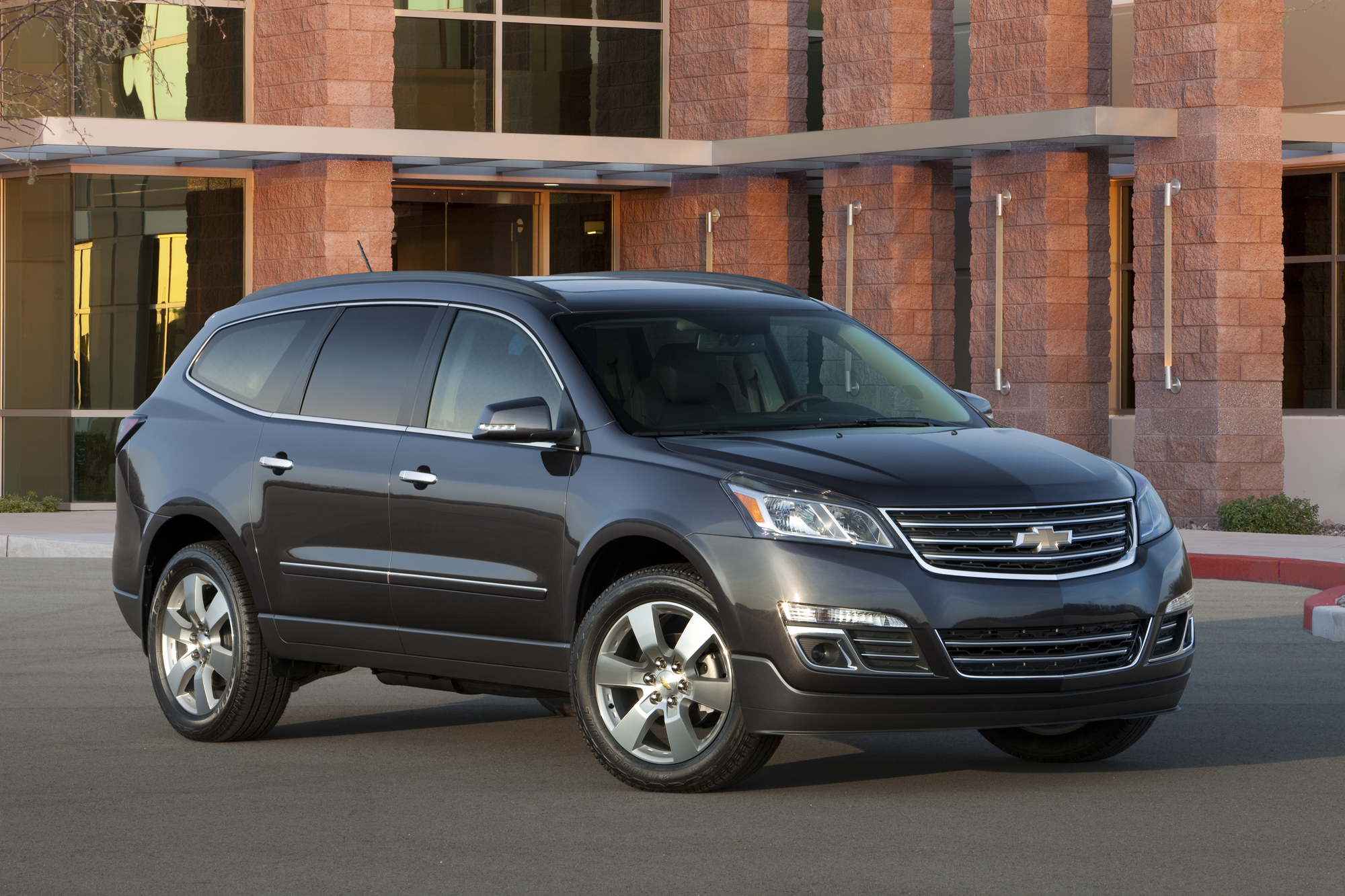 2013 Chevy Traverse Gets New Face, Upgraded Materials and Better Ride