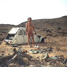 Stranded in the desert, man builds motorcycle from broken 2CV