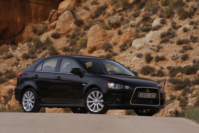 Mitsubishi Lancer Sportback Black Edition 1.6 ClearTec Invite