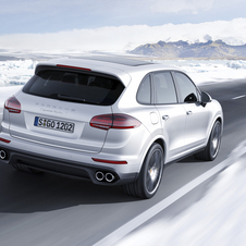 Thanks to a chassis for a more dynamic driving, the Cayenne Turbo S laps Nürburgring in 7:59.74 minutes