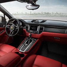 The interior gets a three-spoke steering wheel, central tachometer, Sport and Off road buttons