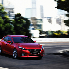 The front takes the same inspiration as the Mazda6 and CX5