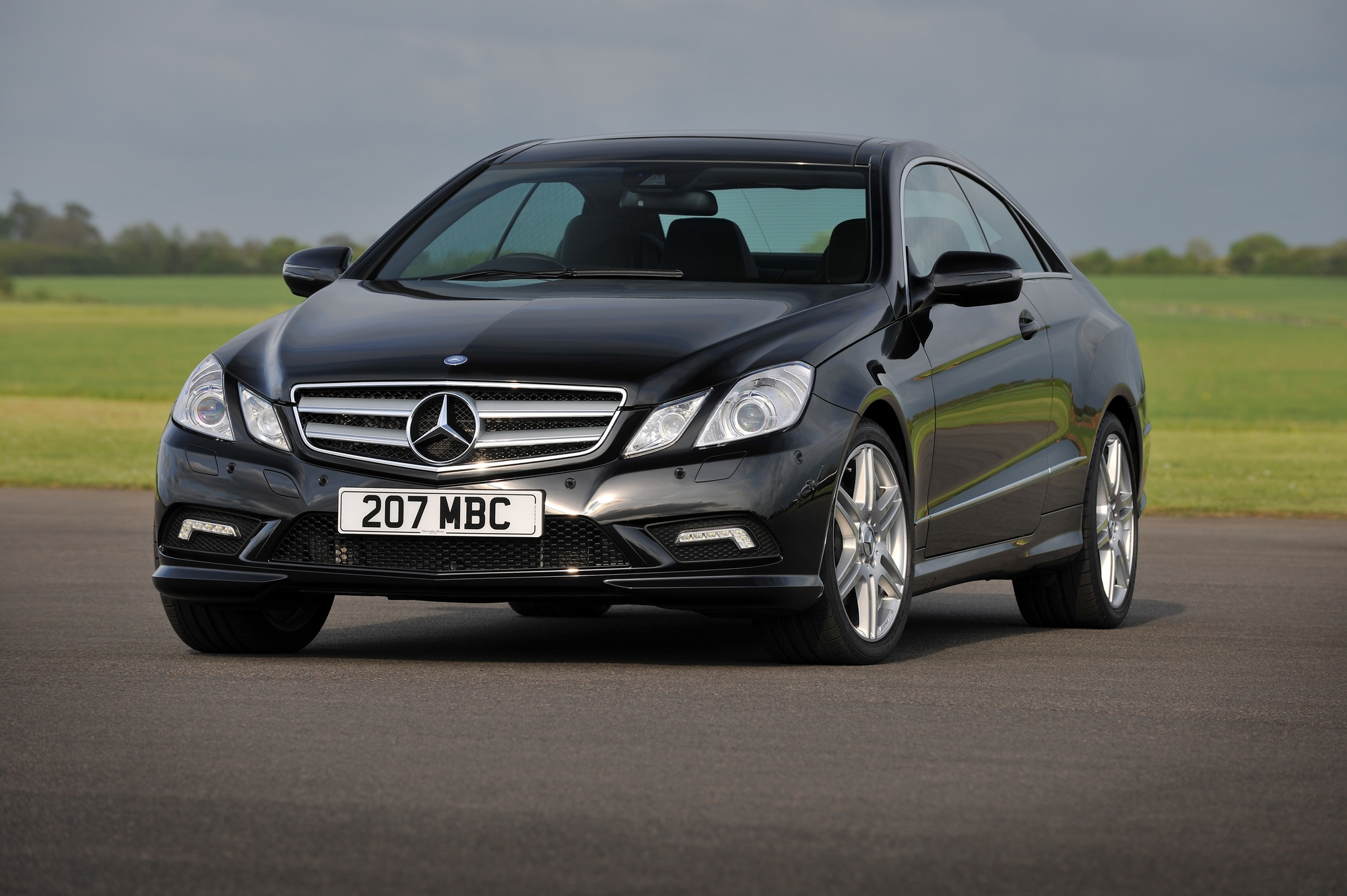 Mercedes benz e250 coupe cgi blueefficiency se slideshow for Mercedes benz e250