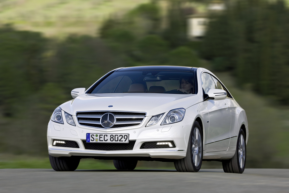 mercedes benz e 220 cdi coup blueefficiency auto 1 photo and 56 specs. Black Bedroom Furniture Sets. Home Design Ideas