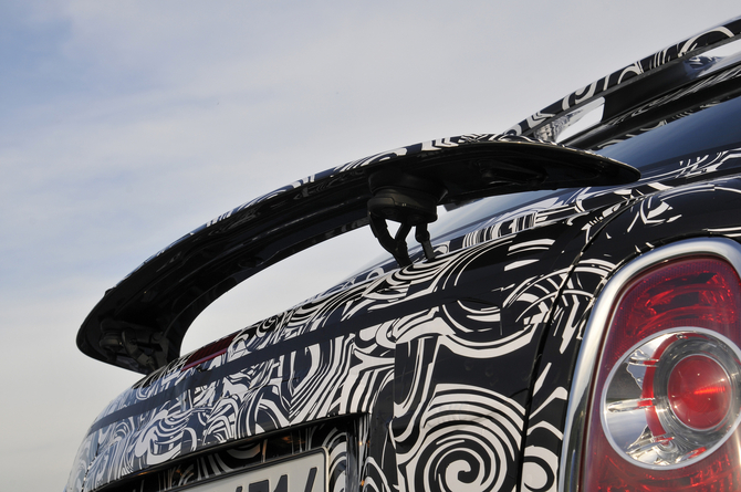 MINI shows-off camouflaged future Coupé model