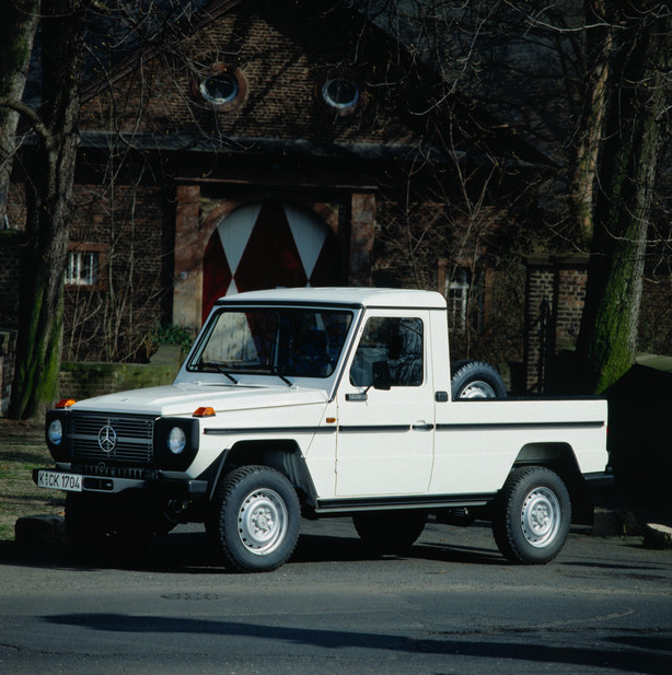 Mercedes benz 290 gd lang pick up 1 photo and 40 specs for Pick up mercedes benz
