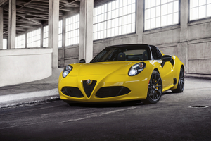 The new 4C Spider will be powered by the same mid-engine turbo four-cylinder 1.7-liter of the 4C