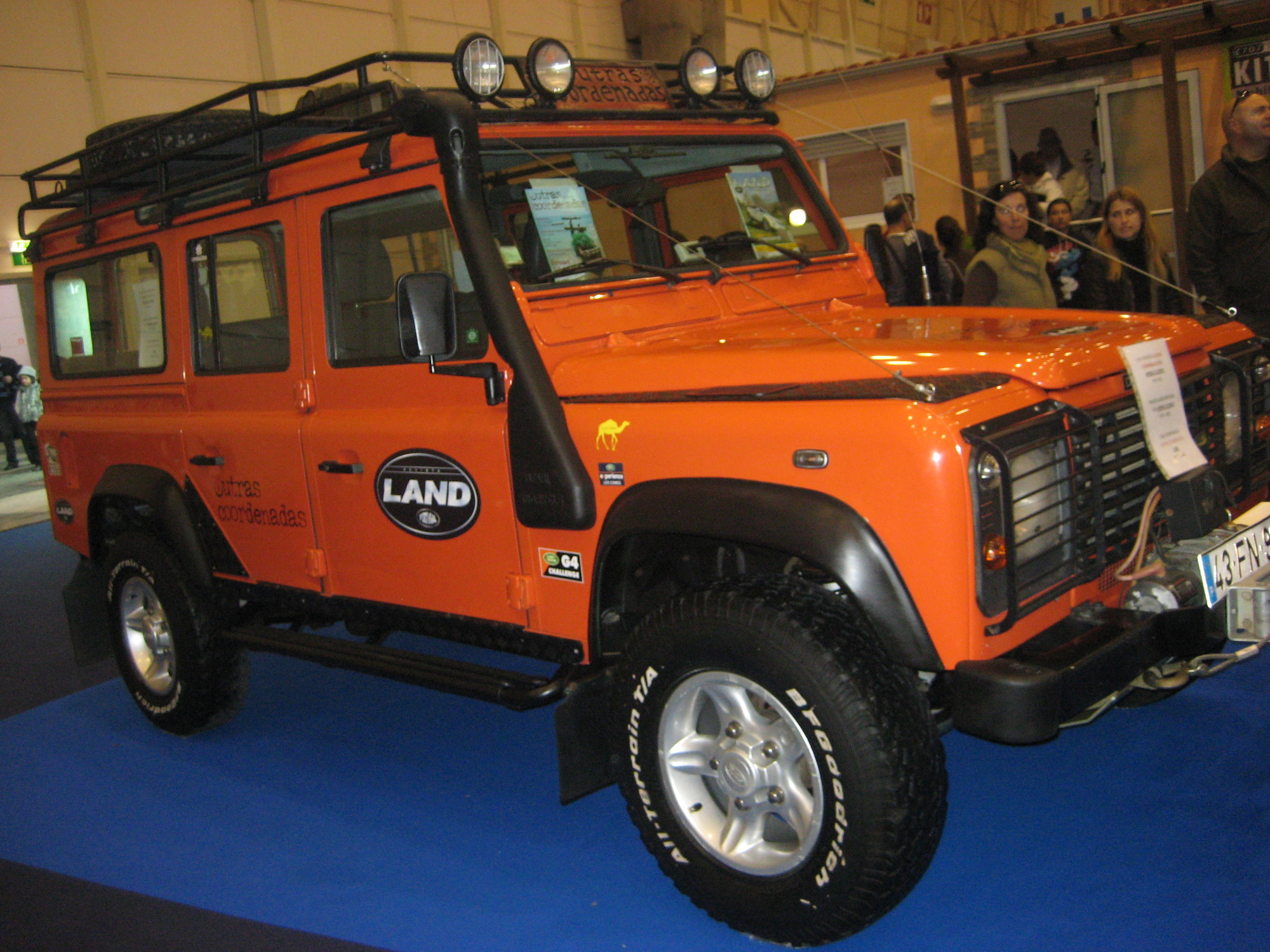 Land Rover Defender Soft Top 90 Td4 E Slideshow
