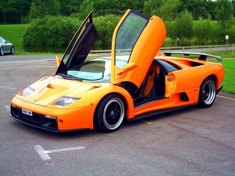Lamborghini Diablo GT & Lamborghini Diablo GT :: 3 photos and 76 specs :: autoviva.com