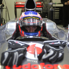 Primeira pole position de Button com a McLaren