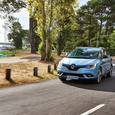 Renault Grand Scénic Energy dCi Twin Turbo EDC Bose Edition