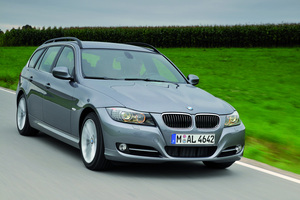 BMW 328i Sports Wagon Automatic (US)