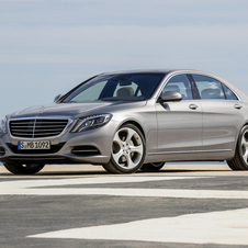 The latest W222 S-Class gets its shape from the W220 chassis that was introduced in 1999