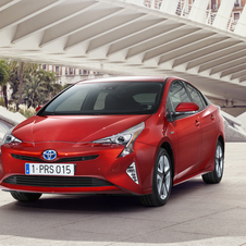 Toyota has clearly been inspired by the fuel cell model Mirai, to create the new Prius design