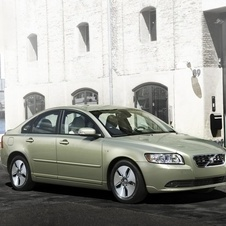 Volvo phased out the S40, V50 and C30 and only had the V40 to replace them but not in all markets